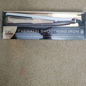 "1"" Keratin Smoothing Iron"